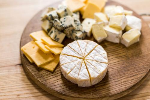 Какой сыр можно есть при похудении. Сыр при диете