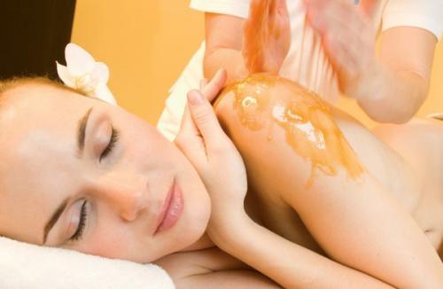 Антицеллюлитный массаж в домашних условиях с медом. Борьба с целлюлитом с помощью медового массажа