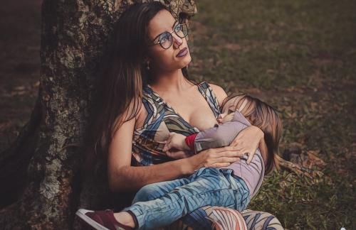 Можно ли делать массаж кормящей маме. Какие косметологические процедуры нельзя делать при грудном вскармливании?